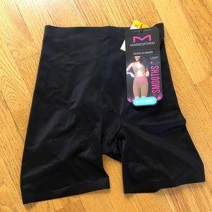 Maidenform- thigh slimmmer